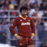 """""""Un venerdì con i baffi"""", mustacchi in Serie A: le corse a braccia alzate di bomber Pruzzo"""