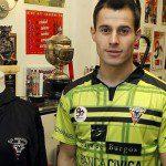Calcio, Spagna: <em>camiseta</em> speciale per il Mirandés in Coppa del Re. Verde mela e creata dal mister