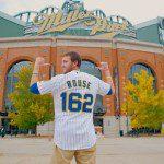 Ben Rouse e la maglia 162 dei Milwaukee Brewers