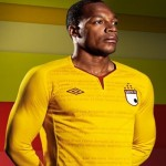 Maglie dell'Independiente Santa Fe di Umbro con un errore